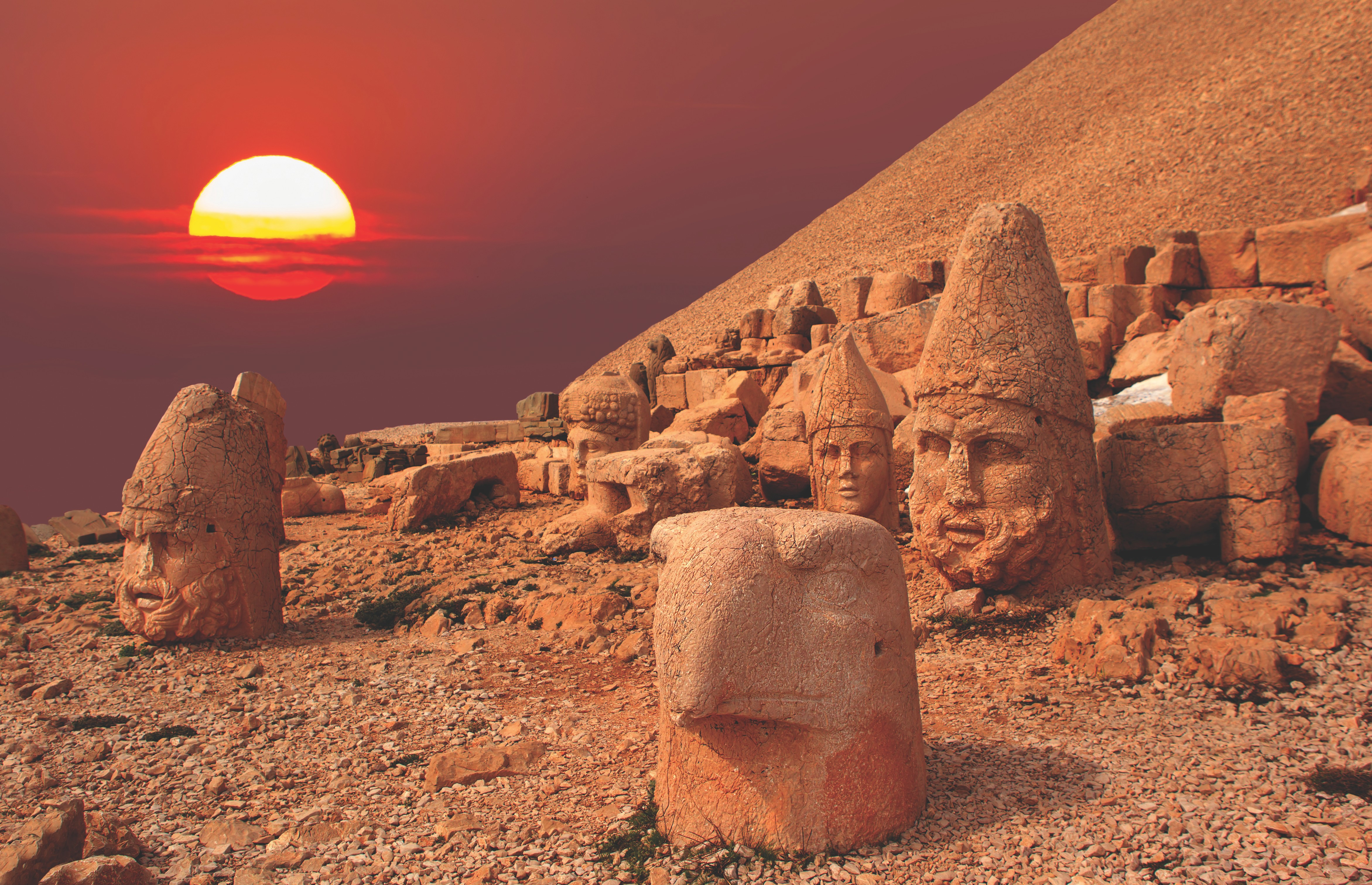 Nemrut Mountain, the most beautiful sunset in the world